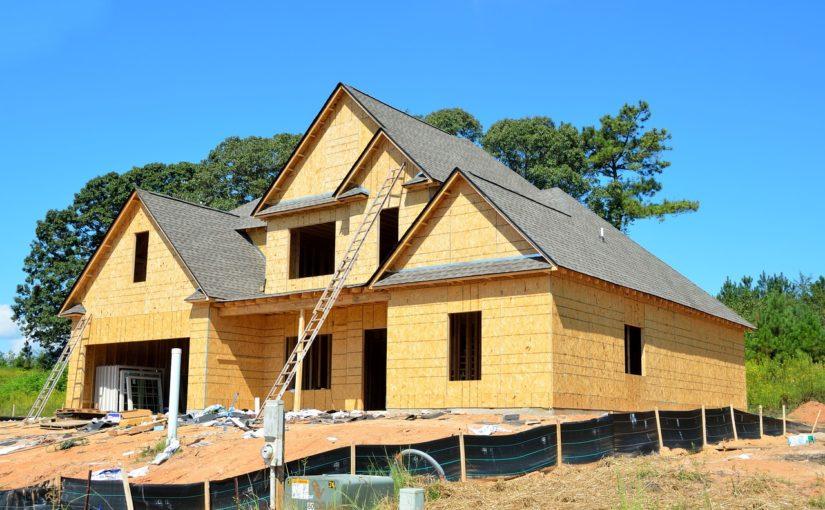 Zgodnie z aktualnymi regułami nowo stawiane domy muszą być oszczędnościowe.
